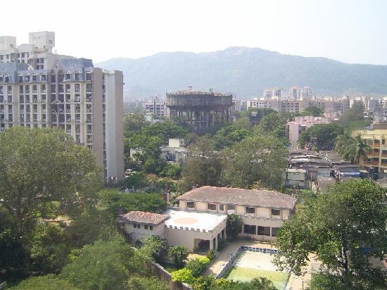 Hotel Satkar Residency: Blick aus dem Fenster zur Hinterseite 2