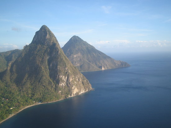 Cap Estate, Sta. Lucía: The Pitons from helicopter airport transfer