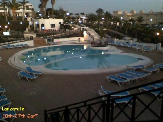 San Marcial Apartments: The Pool :)