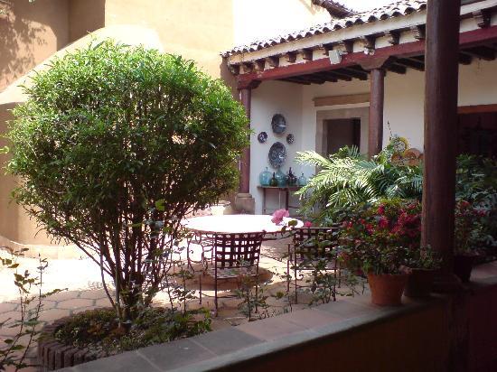 El Refugio en Patzcuaro: the courtyard
