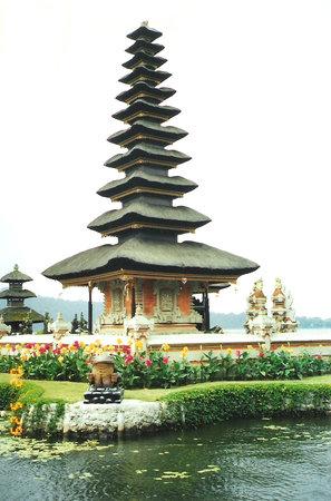 Ulun Danu Bratan Temple: Lakeside Temple