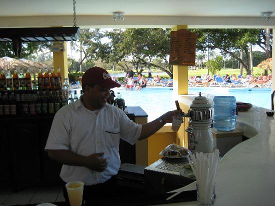 Occidental Caribbean Village Playa Dorada : Our Bar Tender
