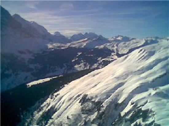 Hotel Gletschergarten: Looking down toward Grindelwald