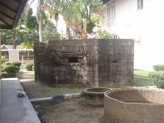 Kota Bharu, Malasia: A replica of a pillbox at the War Museum
