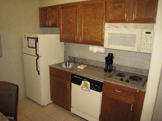 Homewood Suites by Hilton Houston - Woodlands: Kitchen