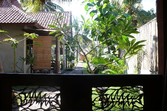 Sama-Sama Bungalows: La terraza del bungalow, donde desayunabamos