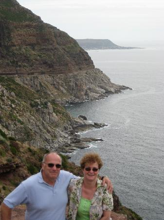 Cape Town Seamore Express Tours and Guesthouse: Us & the Alantic coastline
