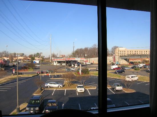 Best Western Plus Sterling Hotel & Suites : Looking out the window