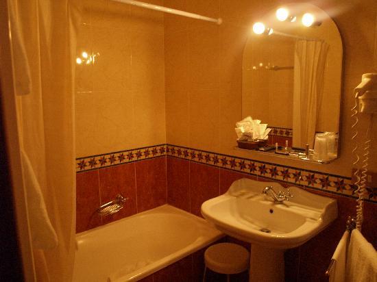 Arco Antico Guest House: Baño