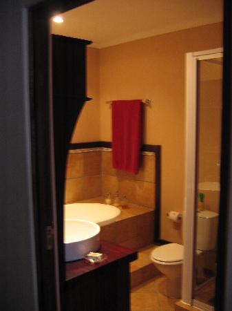 Andante: bathroom