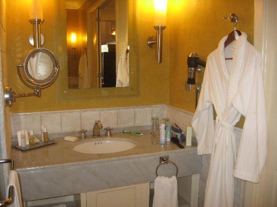 Iberostar Grand Hotel Paraiso: Baño, lado
