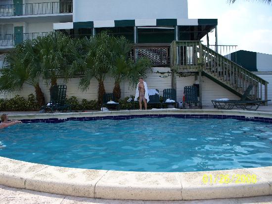 Best Western On The Bay Inn & Marina: pool area