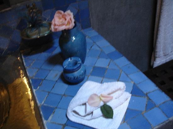 Angsana Riads Collection Morocco: Petals were liberally strewn about the bathroom