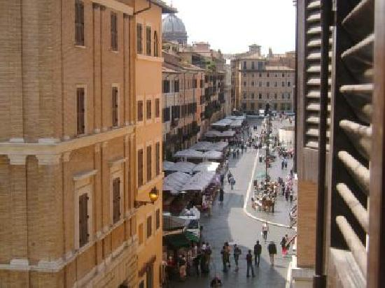 Apartments Casa Navona: View of the Piazza Navona from the living room window