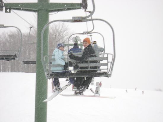 Treetops Resort : A beautiful lift ride in the snow