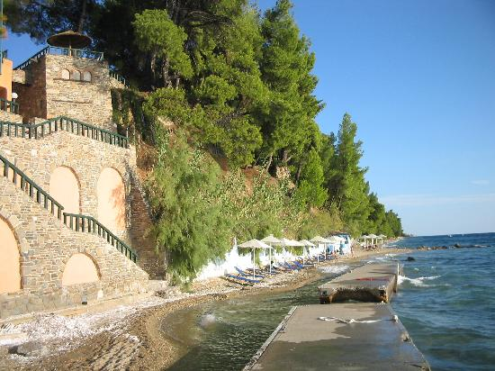 Acrotel Athena Pallas Village: beach after days of waves