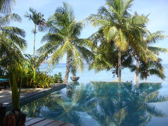Tokoriki Island Resort: Awesome view from the pool