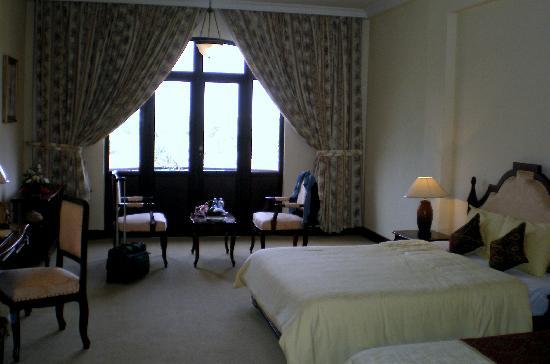 Hotel Saigon Morin: Room toward view
