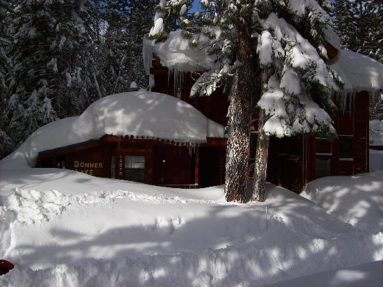 Donner Lake Inn Bed and Breakfast: The day after a big storm