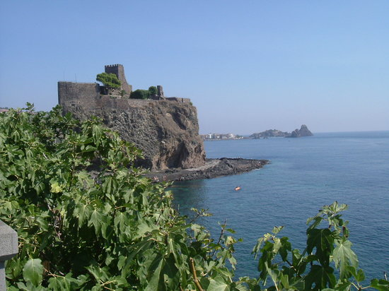 Catane, Italie : The Castel of Acicastello