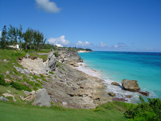 Bermuda: Looking down the coast in Tuckers Town