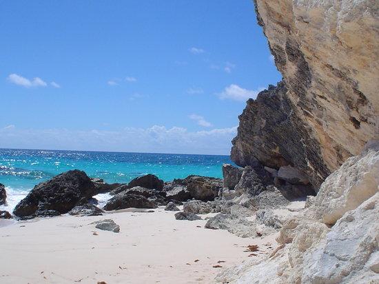 Bermudas: Beach at Mid Ocean