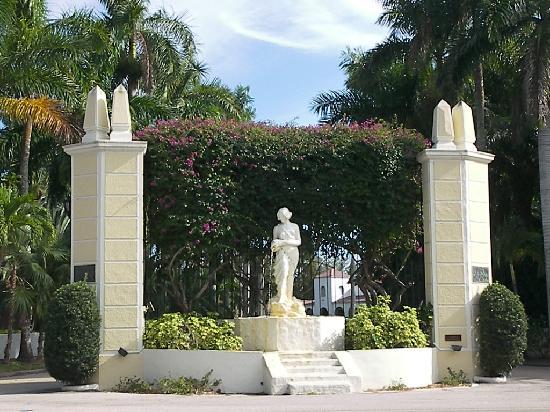 Edison Park: Entry