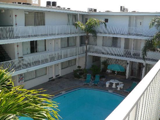Sandalwood Beach Resort: The pool area