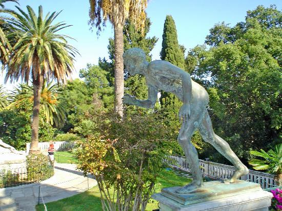 Corfú, Grecia: detalle de los jardines