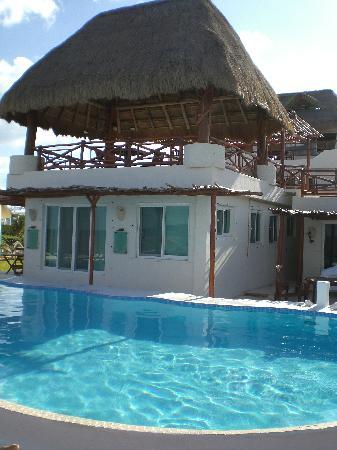Casa Ixchel: vue de la piscine et de la terrasse