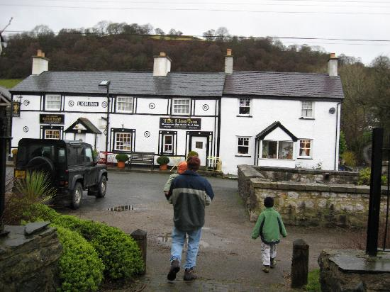 Front of the Lion Inn