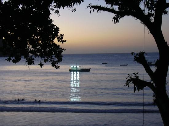 Las Cuevas Beach Lodge: Las Cuevas Beach at sunset