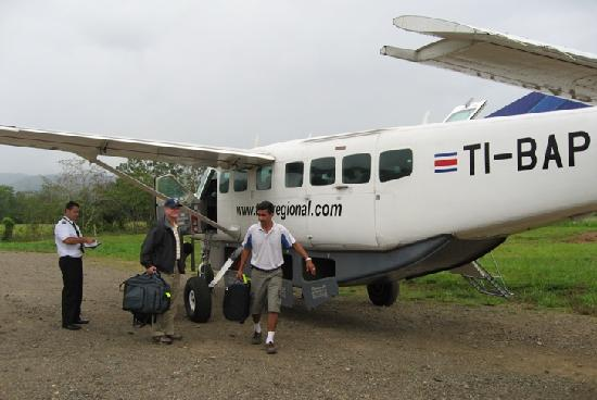 Hotel Las Caletas Lodge: Sansa Airplane