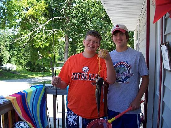 Lighthouse Lodge: The boys fishing