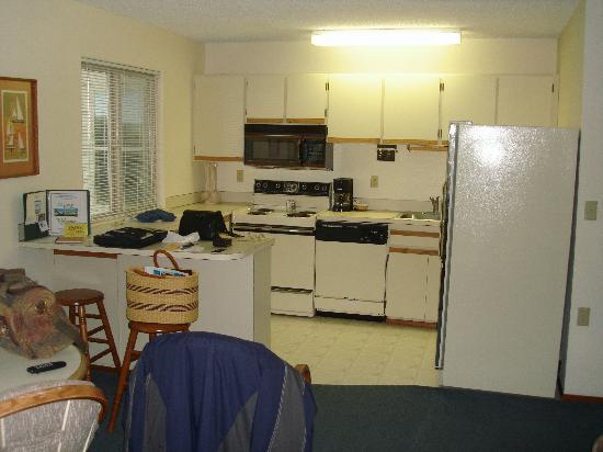 Canterbury Inn: Full Kitchen