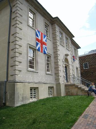 Front of Carlyle House