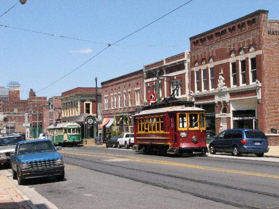 Main Street Trolley: Trolley car