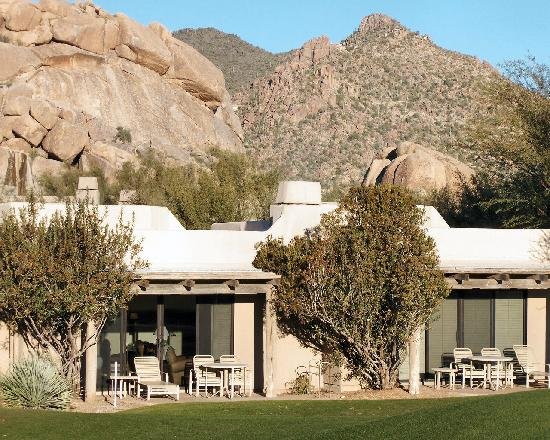 ‪‪Boulders Resort & Spa, Curio Collection by Hilton‬: Casitas on the 7th Hole‬