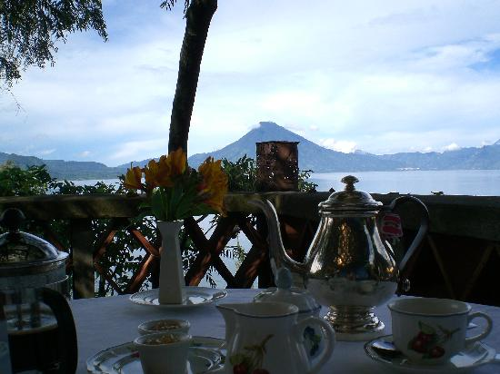 Casa Palopo: Breakfast with a view