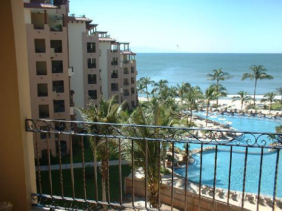 Villa La Estancia: Center of 5th floor balcony