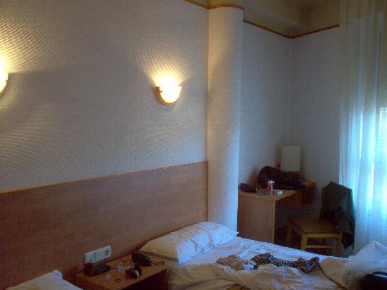 هوتل كوندال: interno camera