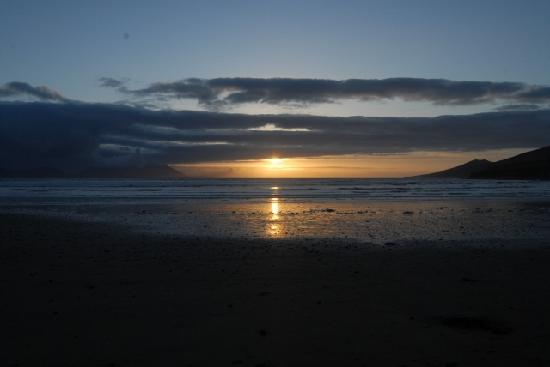 Heaton's Guesthouse : Sunset at Inch Beach