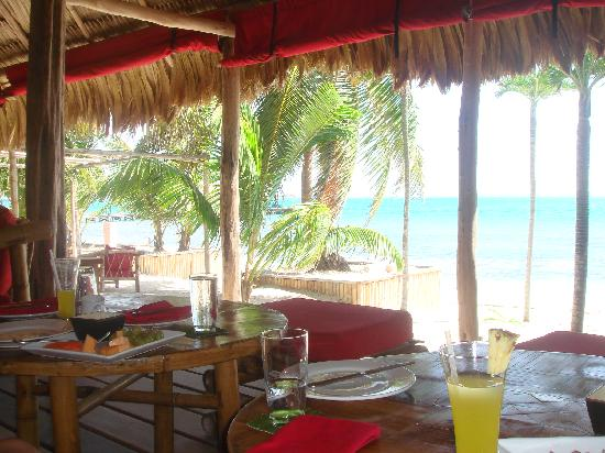 Azul Resort: Rojo Lounge - best food on the island