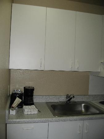 Extended Stay America - Las Vegas - Valley View: The kitchen