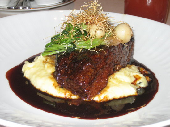 SW Steakhouse: Braised Short Ribs