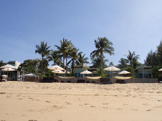 Aleenta Phuket Resort & Spa: View of hotel from beach