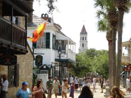 Shopping in St. Augustine historic district