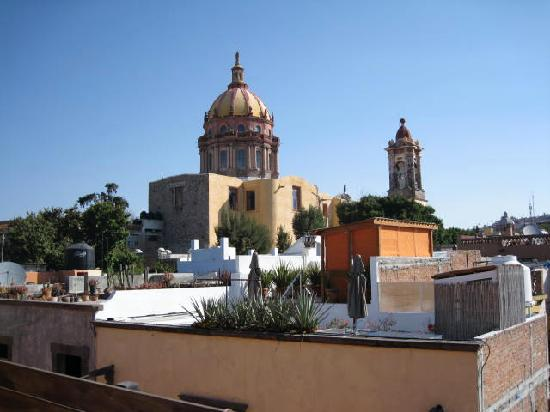 Hotel Dos Casas: View from roof-deck