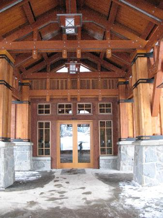 Nita Lake Lodge: Entry Door