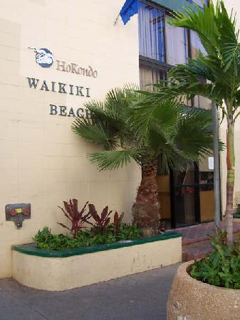 Waikiki Beachside Hostel: front of hostel